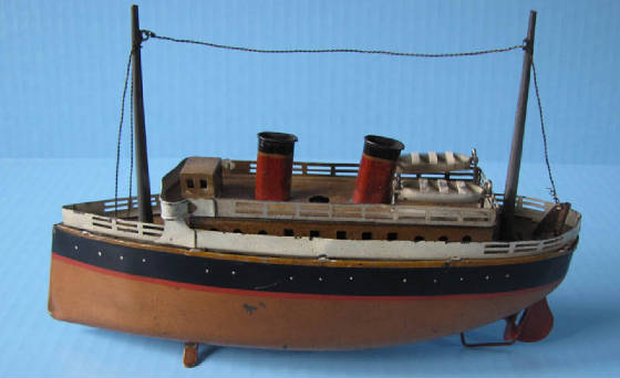 Bing tin clockwork boat 9in long