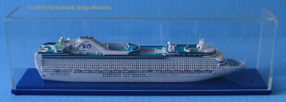 Crown Princess cruise ship model 1:1250 scale