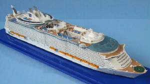 Collector's Series cruise ship models 1:1250 scale