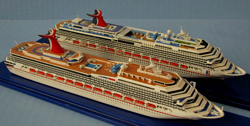 Carnival Conquest & Splendor cruise ship model.jpg