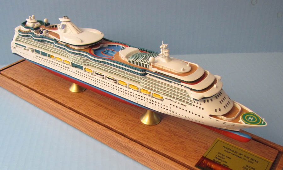 Radiance of the Seas cruise ship model